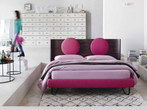 Noctis italiski miegamojo baldai lova Hug 01 Round (11)
