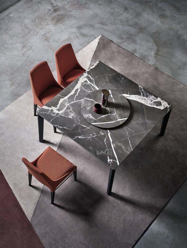 versus-valgomojo-stalas