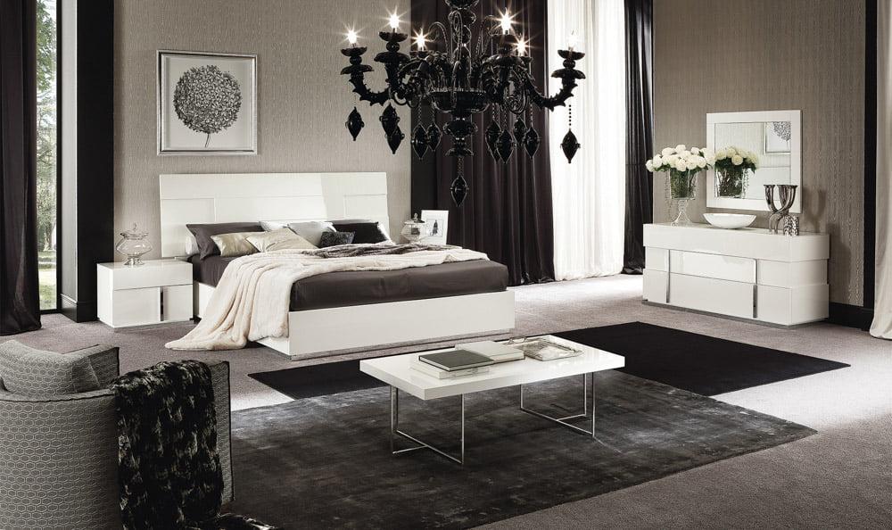 Italiski miegamojo baldai Canova kavos ir zurnalinis staliukas
