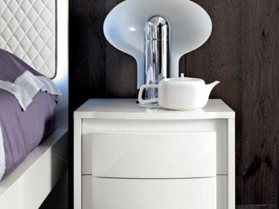 Camelgroup itališki miegamojo baldai Dama Bianca naktinė spintelė (2)