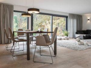 Vokiški baldai kėdė PLIES (1)